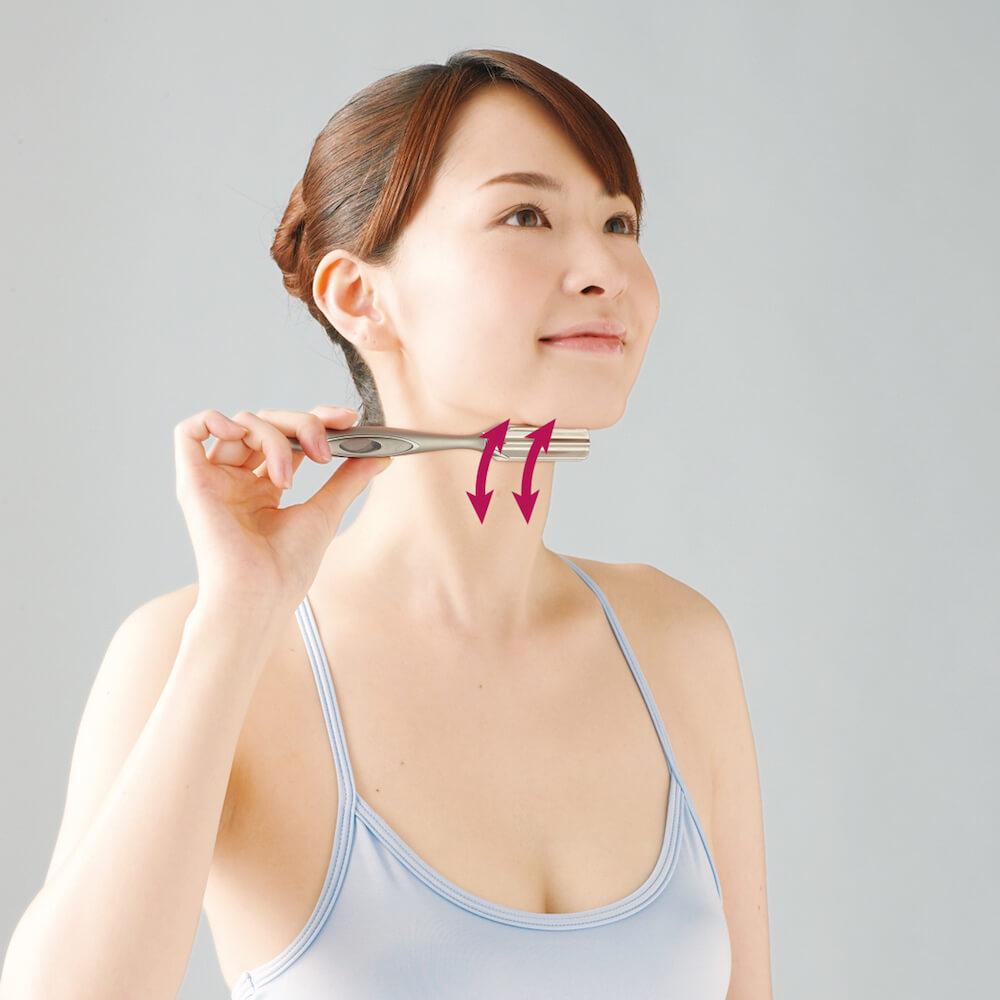 美容滾輪不止可V面!學會9個使用方法令皮膚全面緊緻、提升、去水腫 ReFa I STYLE Instruction for Neck